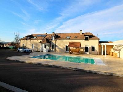 VILLA A VENDRE - LE CREUSOT - 257 m2 - 399000 €