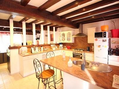 MAISON A VENDRE - BEAUNE - 136,42 m2 - 225000 €