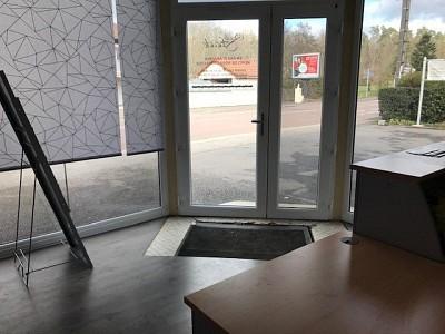 LOCAL COMMERCIAL A LOUER - LE CREUSOT - 50 m2 - 550 € HC et HT par mois
