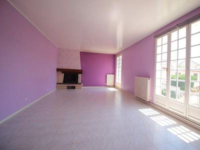 MAISON A VENDRE - GUEUGNON - 142,57 m2 - 105000 €