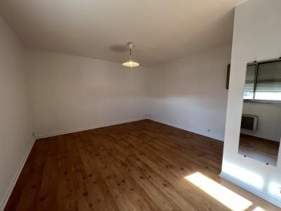 APPARTEMENT T1 A LOUER - DIJON - 31 m2 - 430 € charges comprises par mois