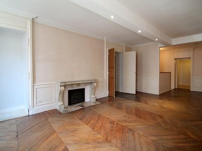 APPARTEMENT T3 A VENDRE - BEAUNE - 105 m2 - 249000 €