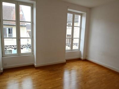 APPARTEMENT T3 A LOUER - CHAGNY - 63,5 m2 - 495 € charges comprises par mois