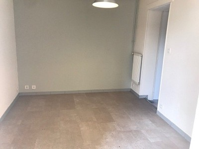 APPARTEMENT T2 A LOUER - AUTUN - 34,45 m2 - 363 € charges comprises par mois