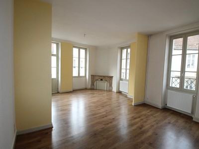 APPARTEMENT T4 A LOUER - CHAGNY - 90 m2 - 700 € charges comprises par mois