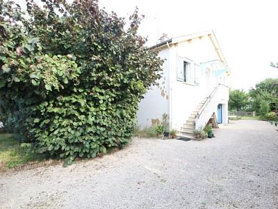 Maison à étage, garage, terrain A VENDRE - CHATEAURENAUD - 64 m2 - 110000 €