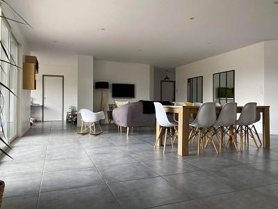 MAISON - PARAY LE MONIAL - 150,47 m2 - VENDU