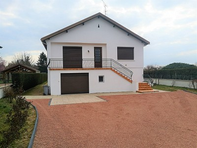 MAISON A VENDRE - PARAY LE MONIAL - 163 m2 - 188000 €