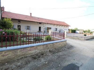 Ferme mitoyenne, terrain, dépendances A VENDRE - BRIENNE - 205 m2 - 209000 €
