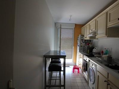 APPARTEMENT T4 A LOUER - DIJON - 88,7 m2 - 905 € charges comprises par mois