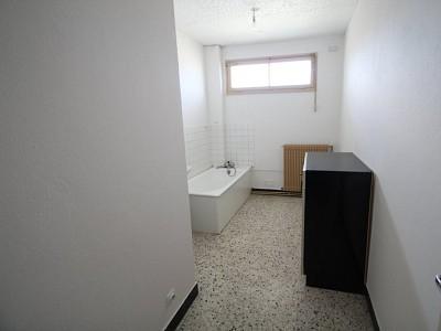 APPARTEMENT T3 A LOUER - DIGOIN - 67,45 m2 - 325 € charges comprises par mois