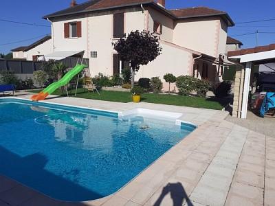 Maison 5 pièces avec piscine A VENDRE - GUEUGNON - 126,58 m2 - 175000 €