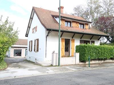 Maison avec garage et terrain A VENDRE - MERVANS Centre bourg - 163 m2 - 154000 €