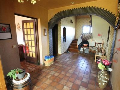 Maison sur sous sol, terrain, piscine A VENDRE - ST GERMAIN DU BOIS - 158 m2 - 263000 €