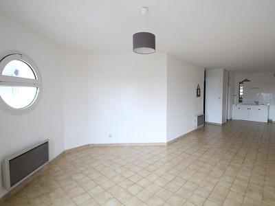APPARTEMENT T2 AVEC BALCON A LOUER - ST GERMAIN DU BOIS - 54 m2 - 500 € charges comprises par mois
