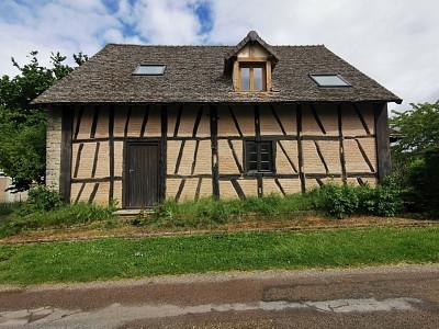 Maison en partie rénovée A VENDRE - GERGY - 130 m2 - 165000 €