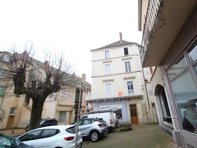 APPARTEMENT T5 A LOUER - CHAROLLES - 109 m2 - 470 € charges comprises par mois