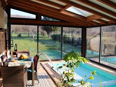 MAISON EN PIERRES AVEC PISCINE INTERIEURE A VENDRE - NANTON - 154 m2 - 268000 €