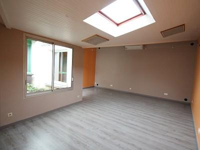 BUREAU - LOCAL PROFESSIONNEL A LOUER - CHAGNY - 70 m2 - 650 € HC par mois
