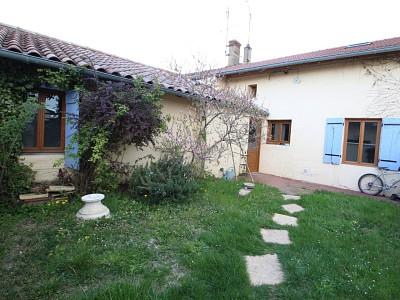 Maison de village avec jardins. A VENDRE - LA GENETE - 120 m2 - 125000 €