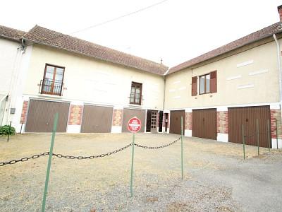 maison T5 sur jardin DE 800m². A VENDRE - LUZY - 173,83 m2 - 79000 €