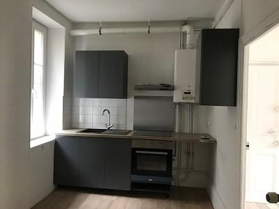 APPARTEMENT T3 A LOUER - AUTUN - 65 m2 - 400 € charges comprises par mois