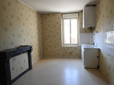 APPARTEMENT T3 A LOUER - LOUHANS - 76 m2 - 477 € charges comprises par mois