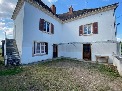 Maison 3 chambres A VENDRE - POUILLY SOUS CHARLIEU - 180,77 m2 - 125000 €