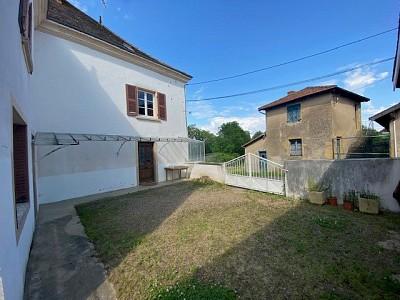 MAISON A VENDRE - POUILLY SOUS CHARLIEU - 180 m2 - 78000 €