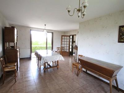 Maison avec sous sol et terrain - ST GERMAIN DU BOIS - 92 m2 - VENDU