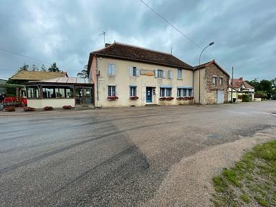 Auberge A VENDRE - CHAROLLES - 377,52 m2 - 99000 €