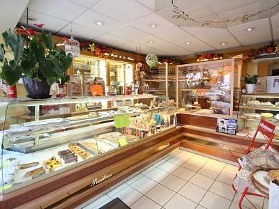 BOULANGERIE-PATISSERIE ET SON LOGEMENT A VENDRE - BOURBON LANCY - 217,35 m2 - 211000 €