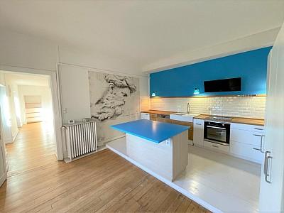 APPARTEMENT T5 A LOUER - CHALON SUR SAONE - 130,52 m2 - 1038 € charges comprises par mois