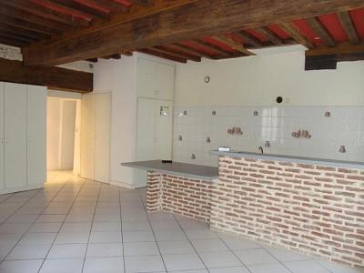 MAISON A LOUER - VERDUN SUR LE DOUBS CENTRE VILLE - 89,99 m2 - 550 € charges comprises par mois