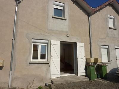MAISON A LOUER - LUZY - 50 m2 - 320 € charges comprises par mois
