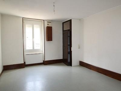 APPARTEMENT T2 A LOUER - CHAGNY - 41,35 m2 - 375 € charges comprises par mois