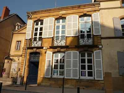 APPARTEMENT T1 A LOUER - PARAY LE MONIAL - 37 m2 - 325 € charges comprises par mois