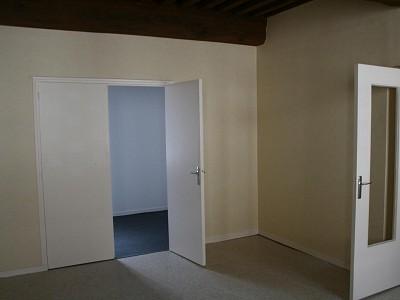 APPARTEMENT T2 A LOUER - GIVRY - 42 m2 - 372 € charges comprises par mois