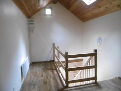 APPARTEMENT T2 A LOUER - CHAROLLES - 33 m2 - 300 € charges comprises par mois