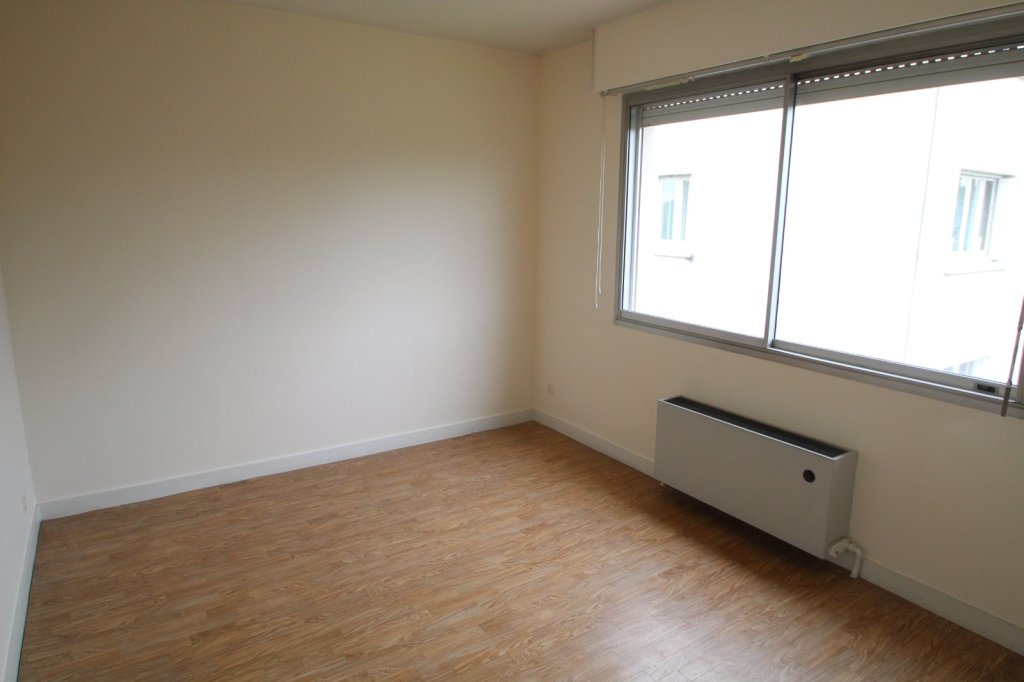 APPARTEMENT T3 A LOUER - PARAY LE MONIAL - 77 m2 - 590 € charges comprises par mois