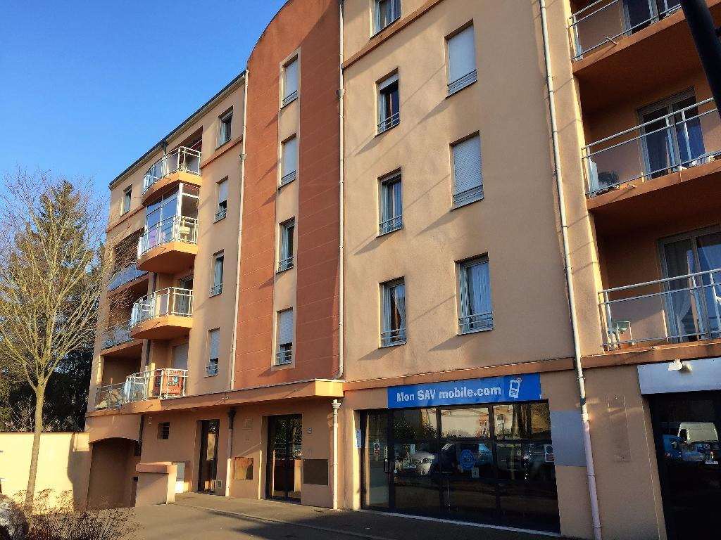 APPARTEMENT T2 - PARAY LE MONIAL - 55,77 m2 - VENDU