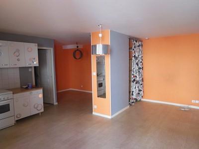 STUDIO A LOUER - AUXONNE - 36 m2 - 380 € charges comprises par mois