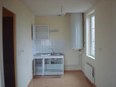 APPARTEMENT T3 A LOUER - LOUHANS - 50 m2 - 380 € charges comprises par mois