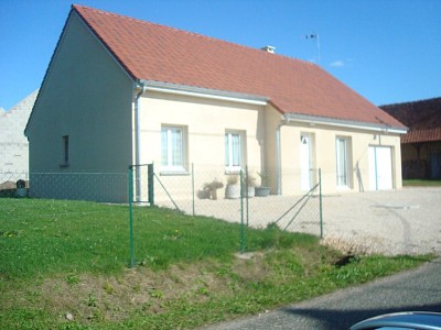 MAISON A LOUER - LOUHANS - 93,16 m2 - 660 € charges comprises par mois