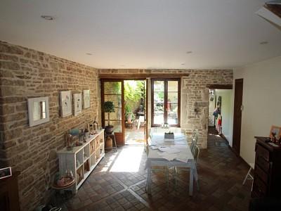 MAISON A LOUER - BEAUNE - 144,41 m2 - 900 € charges comprises par mois