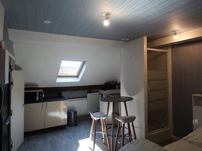STUDIO A LOUER - BEAUNE 18 PLACE MONGE - 13 m2 - 360 € charges comprises par mois