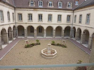 APPARTEMENT T2 A LOUER - AUTUN CENTRE VILLE - 42,42 m2 - 390 € charges comprises par mois
