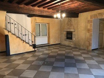 MAISON A LOUER - DRACY ST LOUP - 110 m2 - 650 € charges comprises par mois