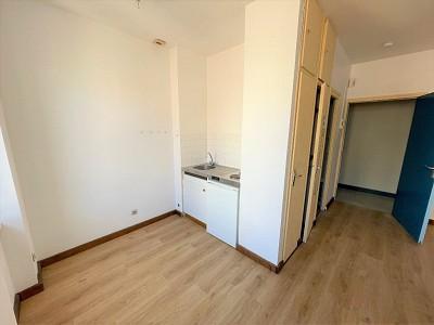 APPARTEMENT T1 A LOUER - CHALON SUR SAONE CENTRE VILLE - 28,6 m2 - 296 € charges comprises par mois