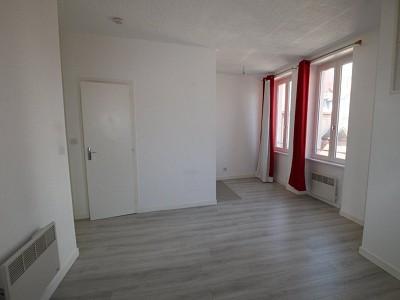 STUDIO A LOUER - CHALON SUR SAONE CENTRE VILLE - 23,64 m2 - 245 € charges comprises par mois